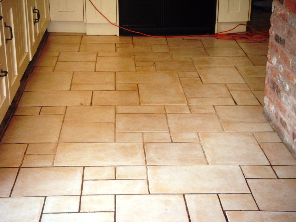 Porcelain Tile and Grout Before Restoration